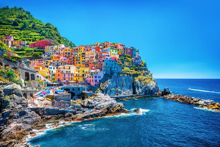 Stroll through the villages of Cinque Terre