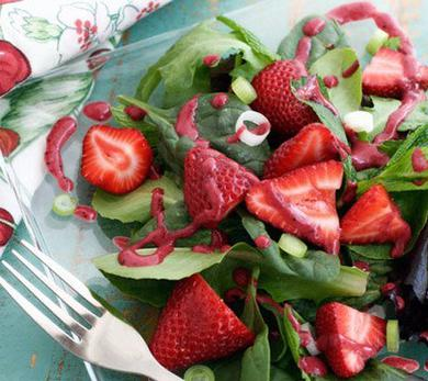 Strawberry-Spinach Salad with Berry Dressing