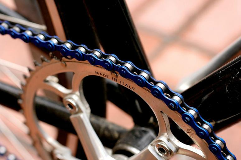 How to tighten a bike chain the active times how to tighten a bike chain greentooth Choice Image