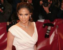 Jennifer Lopez Cooks Puerto Rican Chicken Stew for Leah Remini
