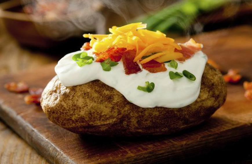 You Can Bake a Potato in 20 Minutes with This Hack
