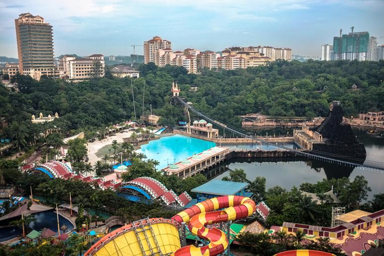 The best wave pools around the world gallery the active times for Sunway pyramid hotel swimming pool