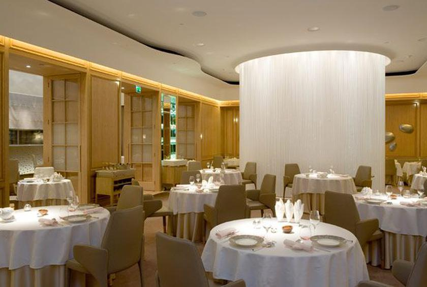 8 Alain Duce At The Dorchester London