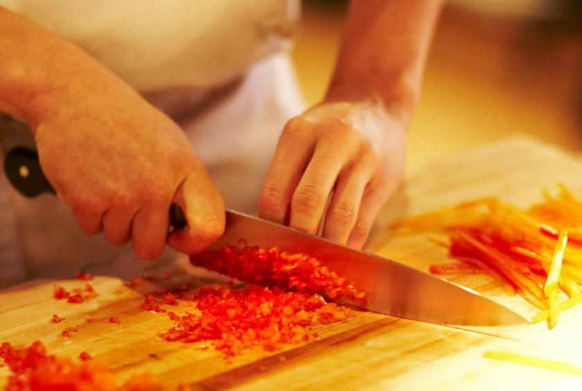 5 basic knife cuts that will make you look like a master chef
