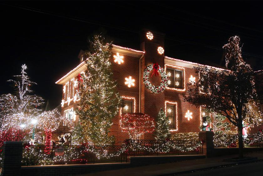 Christmas lights - The Best Christmas Light Displays In Every State
