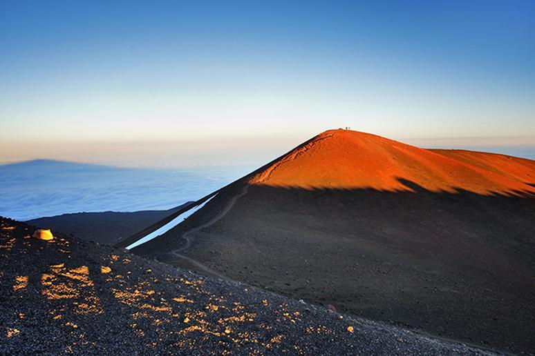 Going to Extremes: The World's Tallest, Coldest, Deepest, and Most Obscure Places