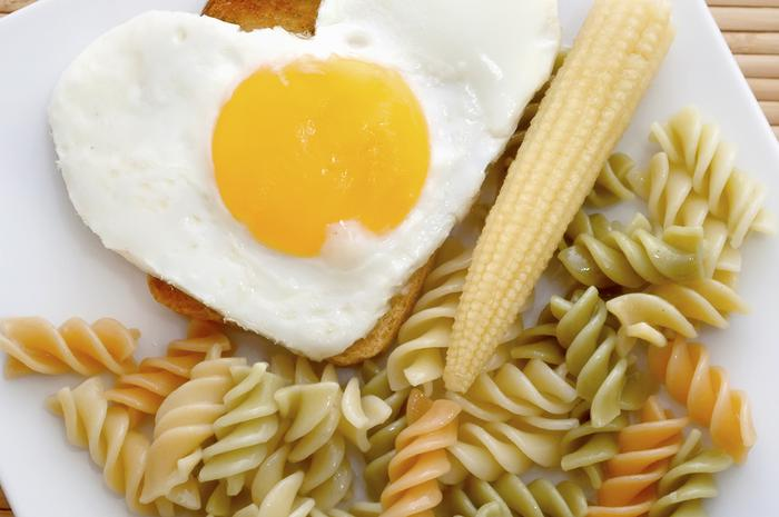 Spicy Garlic Pasta With Fried Eggs