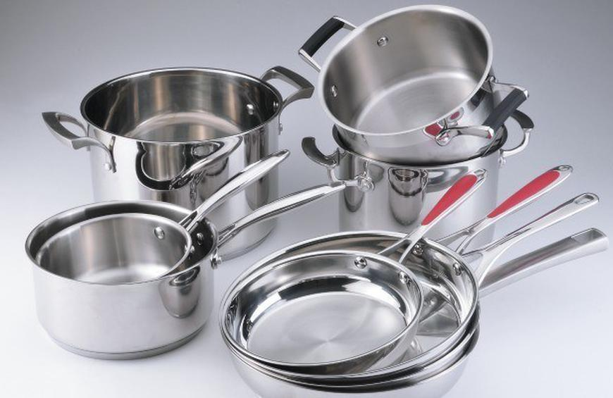4 Signs it's Time to Buy New Pots and Pans