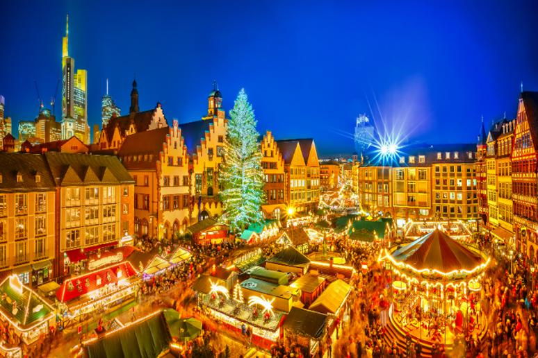 Christmas Time.25 Cities You Have To See At Christmastime