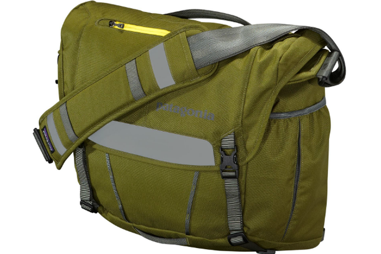 8703646e1966 Best Messenger Bags - The Active Times
