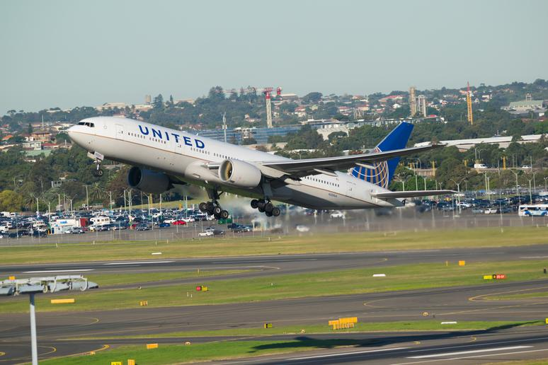 #6 Houston to Sydney (United Airlines)