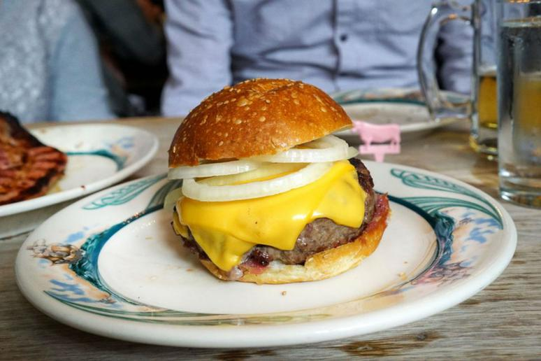 The 101 Best Burgers in America for 2018 Gallery