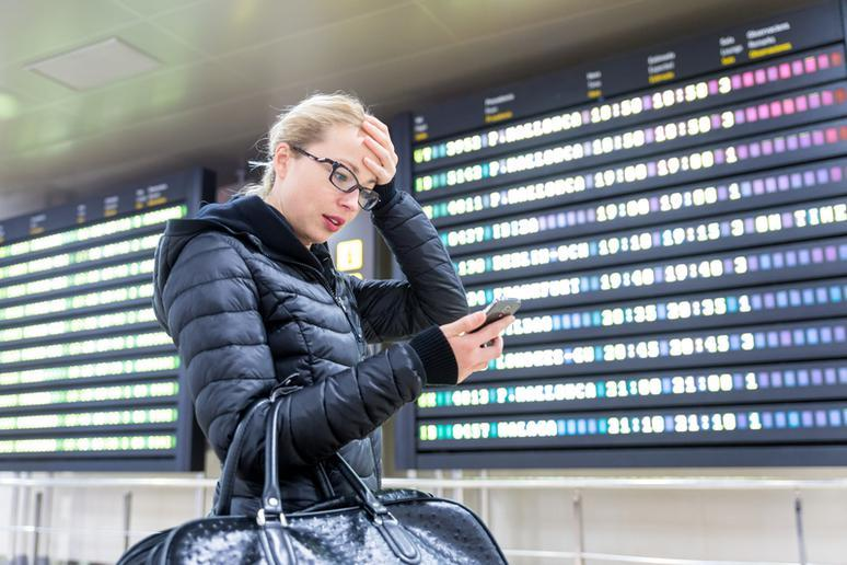What you should never do during holiday travel