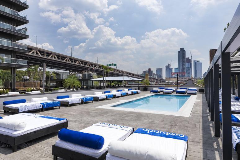 The Coolest Rooftop Pools In America The Active Times