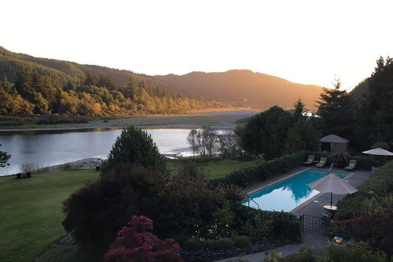 Tu Tu' Tun Lodge (Gold Beach, Oregon)