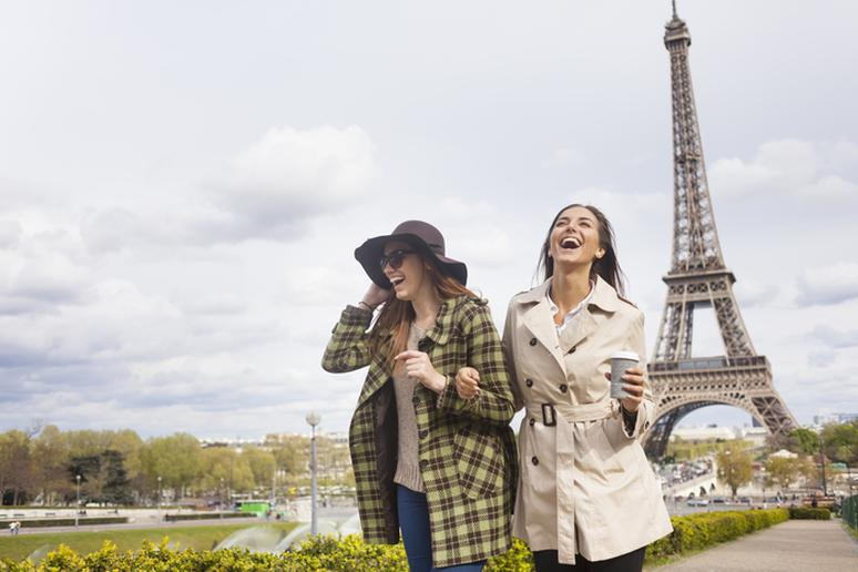 This is What You Should Never Do While Traveling Abroad