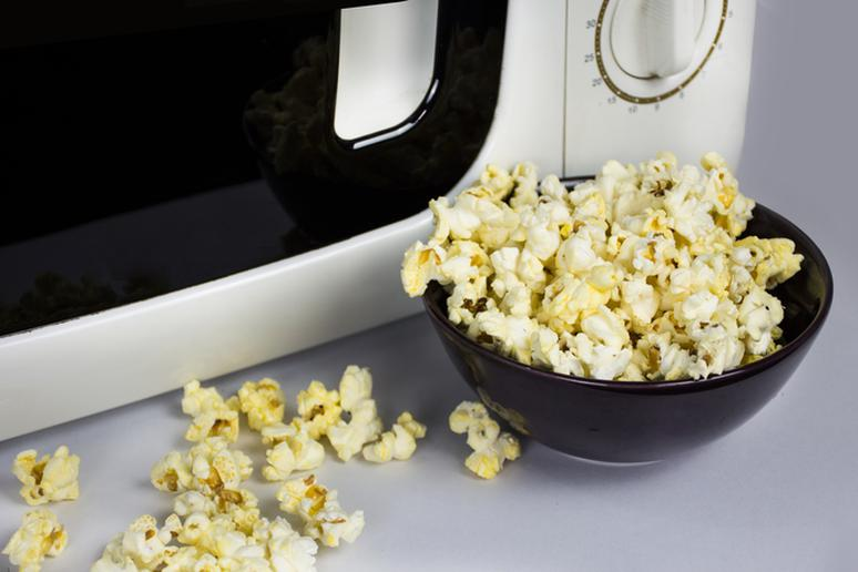 Microwave popcorn with butter