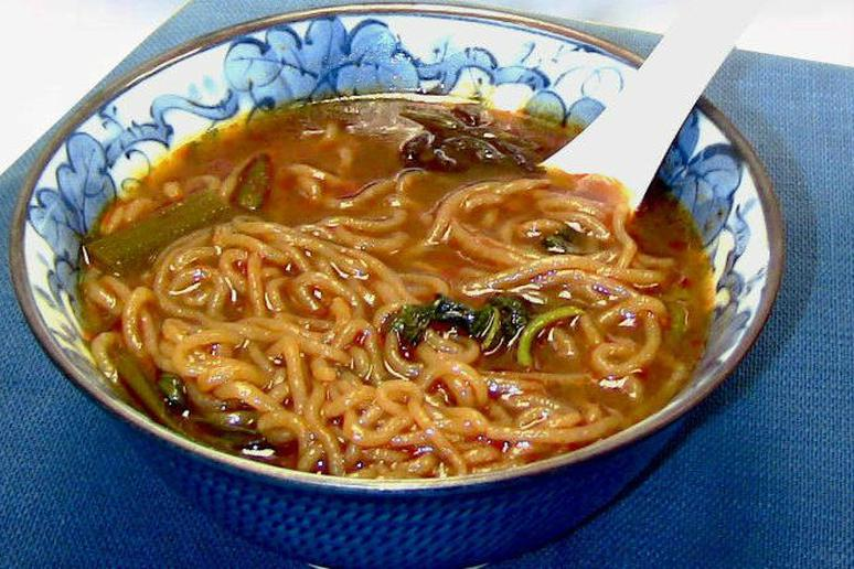 Shirataki Noodles with Red Curry Broth