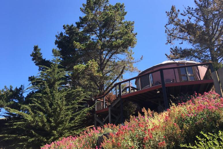 Treebones Resort (Big Sur, California)