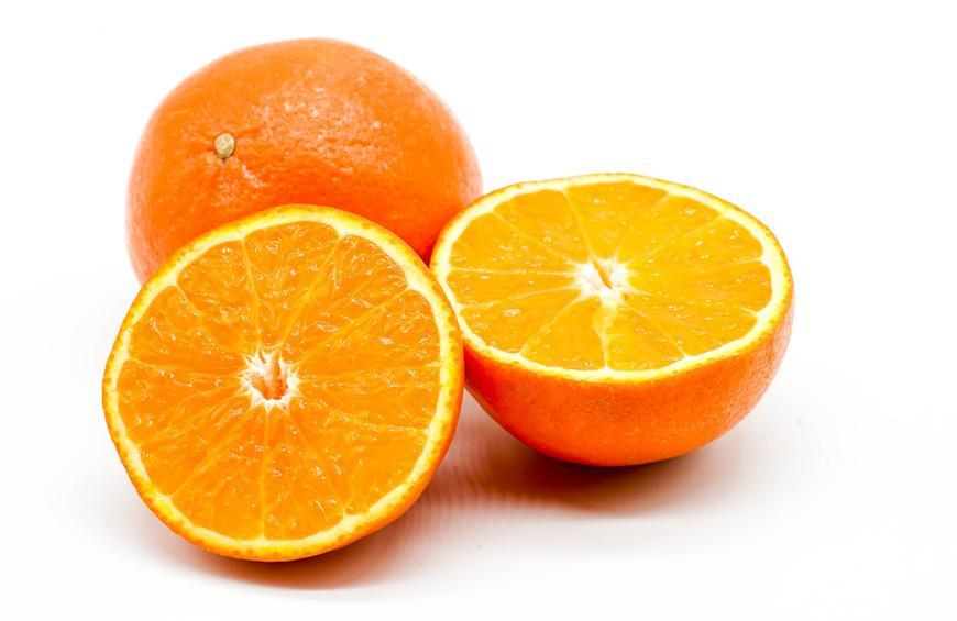 30 Minutes Before a Workout: Eat an Orange