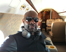 Jerry Rice on a plane