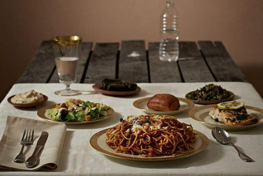 Photo Series Starkly Compares Meals of the Rich and Poor in Different Cultures