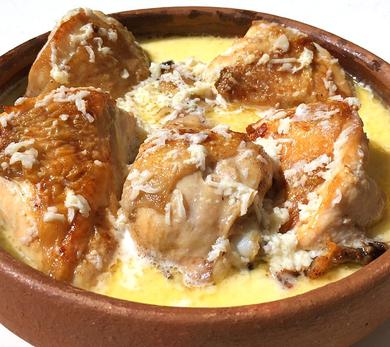 Garlic Chicken, Shkmeruli, Georgian Recipes, Chkmeruli, Chicken in Creamy Garlic Sauce, Chicken in milk