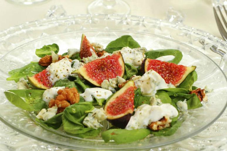Grilled Figs and Spinach Salad