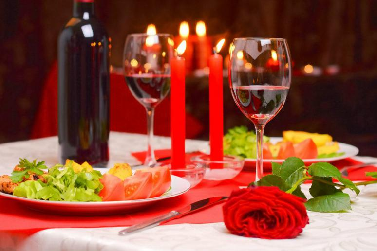 3 easy romantic meals you can make at home
