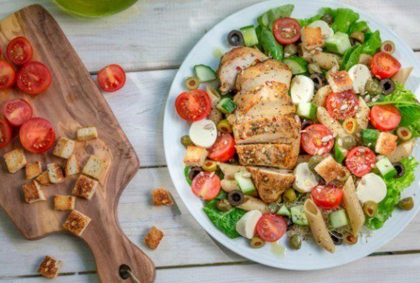 9 Grilled Chicken Salads That Will Make Healthy Eating Easier