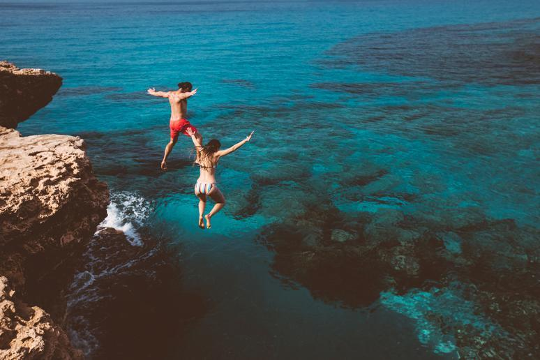 17 ideas for adventurous dates to surprise your sweetheart
