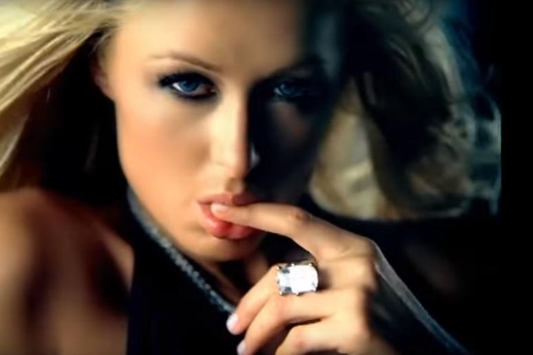 2005: Carl's Jr. Airs its First Supermodel Ad
