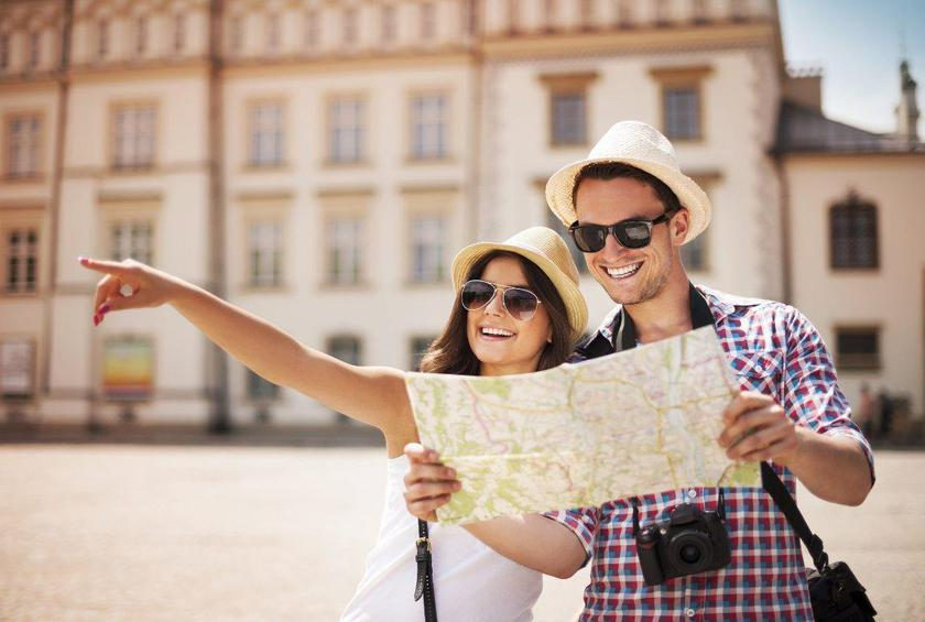 Dont Be That Tourist 10 Travel Etiquette Tips For The American