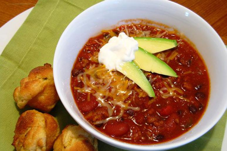 Slow Cooker Chili with Jalapeño Corn Muffins