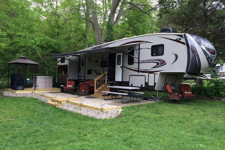 Rhode Island: Wawaloam Campground (West Kingston)