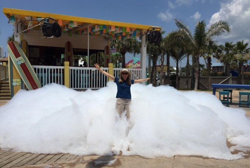 5 Weird and Wacky Things You Can Do at Restaurants in Gulf Shores