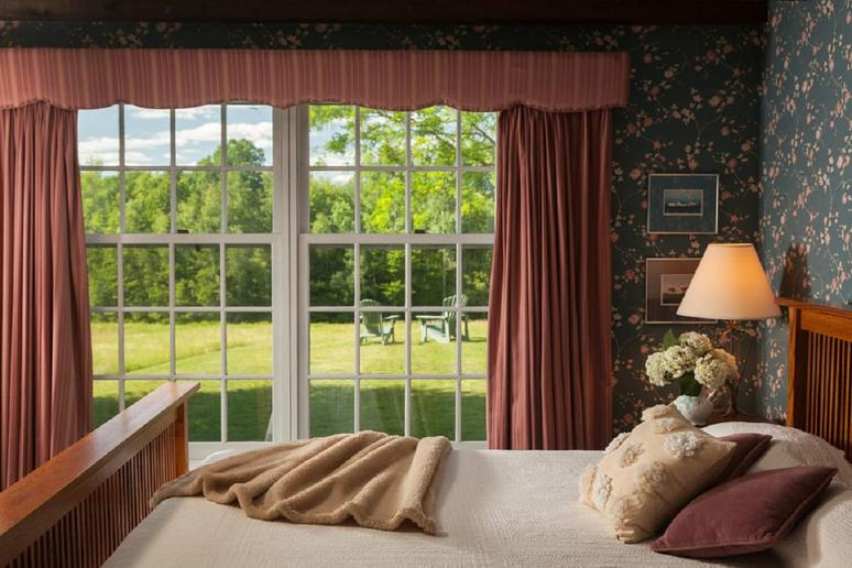 New Hampshire: Chesterfield Inn (West Chesterfield)