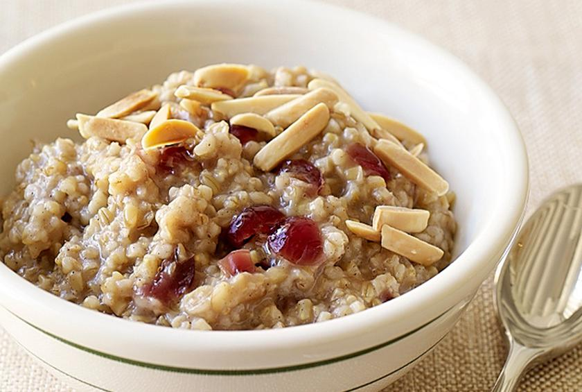 PointsPlus Cranberry-Maple Slow Cooker Oatmeal