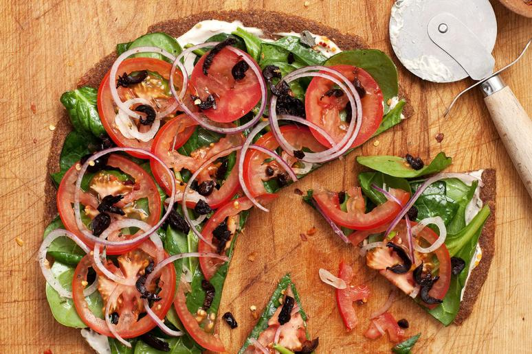 Raw Greek Pizza