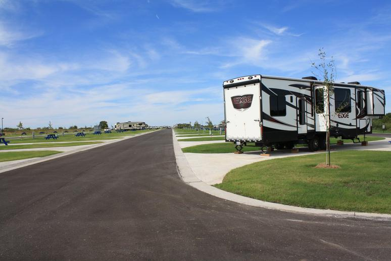 Oklahoma: By the Lake RV Resort (Ardmore)