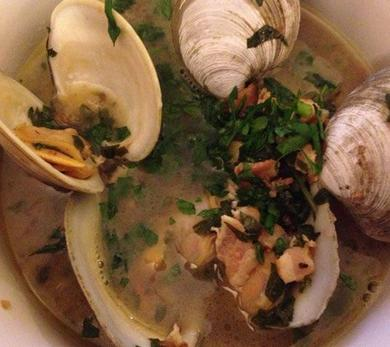 Clams with White Wine, Bacon, Garlic, and Parsley