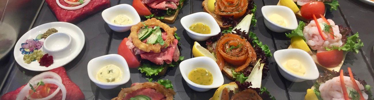 Open-sandwich display