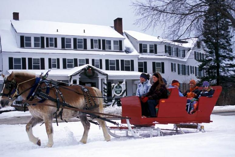 New Hampshire: Sleigh Ride at Franconia Inn (Franconia)