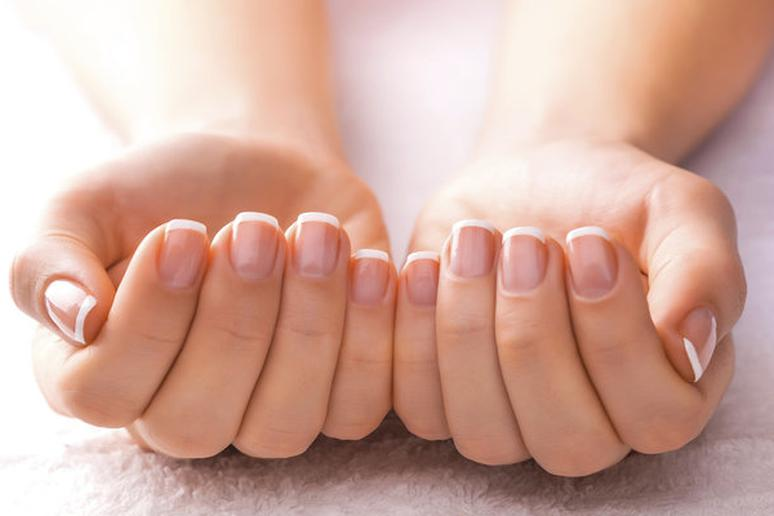 9 Things Your Fingernails Reveal About Health