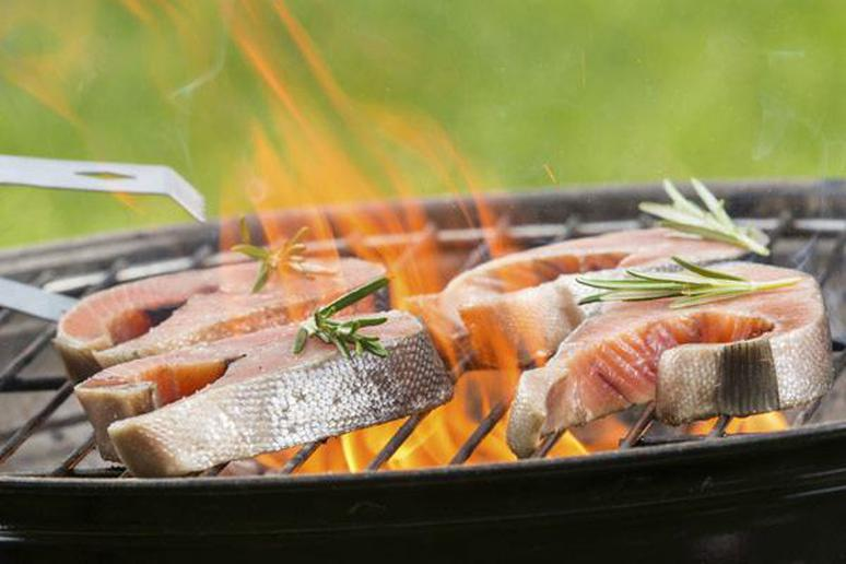 10 Ways to Slim Down Your Summer Cookout