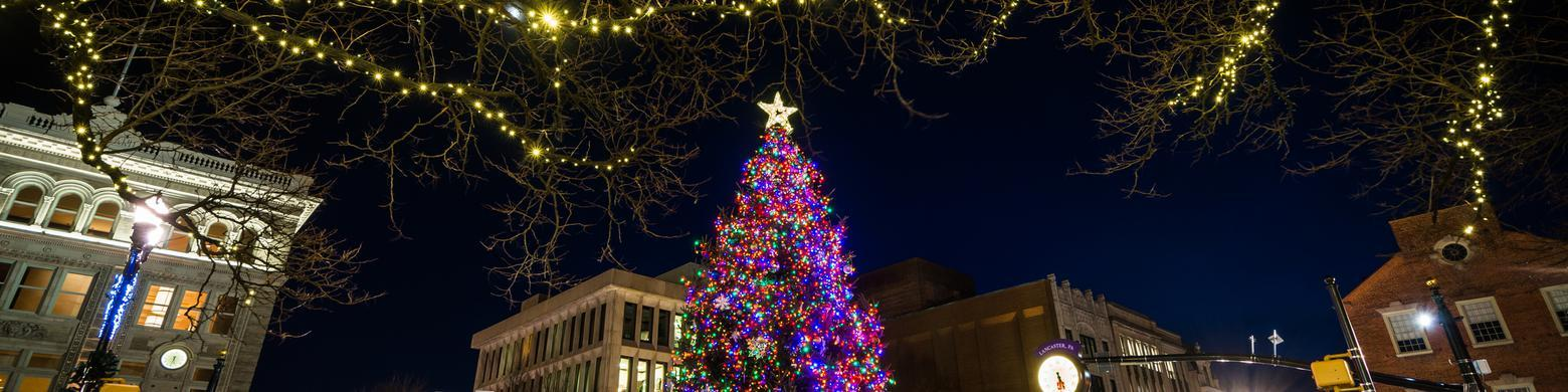 Small towns with big-time Christmas celebrations (Slideshow)