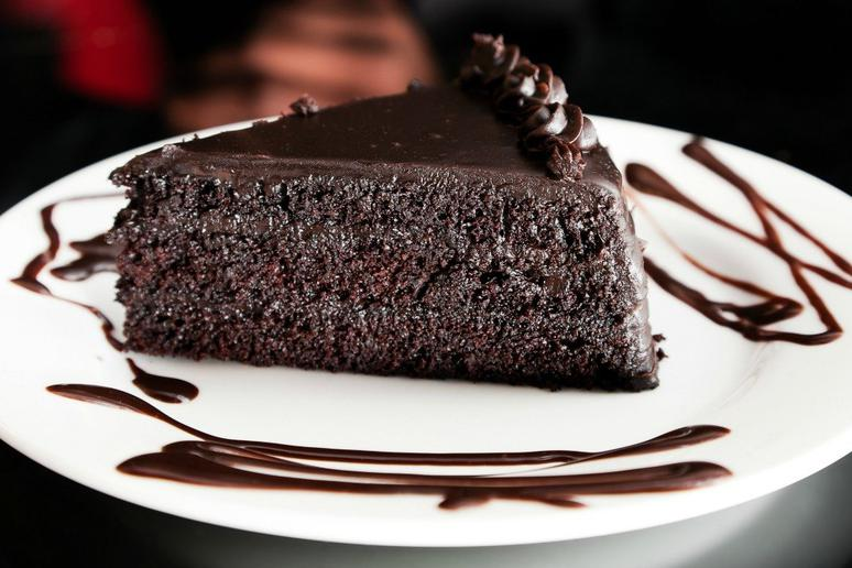Slow-cooker chocolate cake