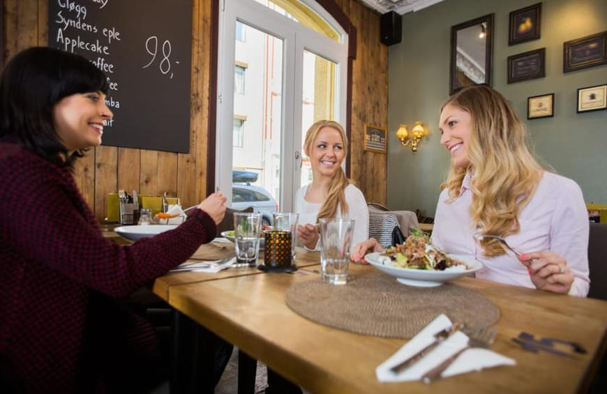 21 Most Common Table Etiquette Mistakes Gallery