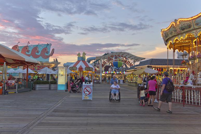 Wildwood Boardwalk (Wildwood, N.J.)