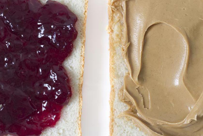 how to make the perfect peanut butter and jelly sandwich